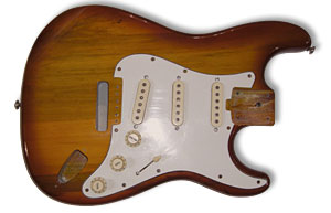 Body mit 3 original Singlecoil Musima-Pickguard