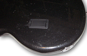 Montiertes Batteriefach und neue Klinkenbuchse