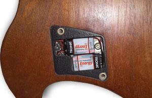 Ovation Batteriefach