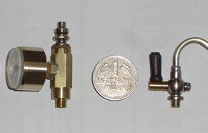 Manometersockel und Dampfabsperrhahn