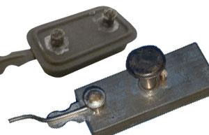 Zwei alte Spiritusbrenner für Dampfmaschinenmodelle
